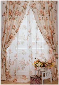 Штора Готовая штора из плотной портьерной ткани ROMANCE с рисунком на шторной ленте. Основа сделана под хлопок. Размер шторы 150*260, , цветной вкладыш и инструкция по монтажу.