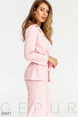Льняной розовый костюм в полоску