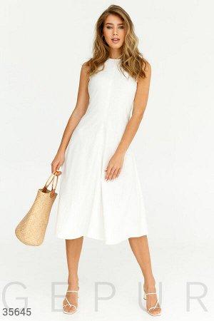Минималистичное белое платье