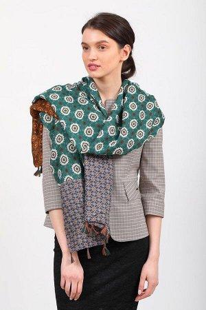 Красивый палантин платок-шарф из с цветочными мотивами, кисточками по краю цвет зеленый
