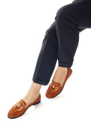 Туфли Страна производитель: Китай Полнота обуви: Тип «F» или «Fx» Материал верха: Замша Материал подкладки: Натуральная кожа Стиль: Городской Форма мыска/носка: Закругленный Каблук/Подошва: Каблук Выс