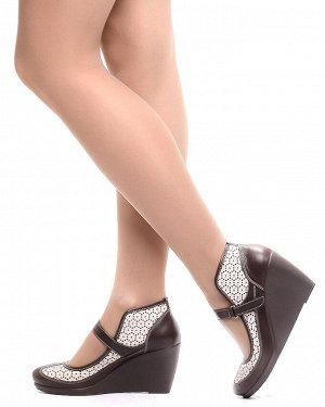 Туфли Страна производитель: Турция Размер женской обуви x: 38 Полнота обуви: Тип «F» или «Fx» Сезон: Весна/осень Тип носка: Закрытый Форма мыска/носка: Закругленный Каблук/Подошва: Танкетка Высота каб