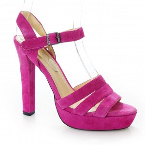 Босоножки Страна производитель: Китай Размер женской обуви x: 36 Полнота обуви: Тип «F» или «Fx» Вид обуви: Босоножки Материал верха: Замша Материал подкладки: Натуральная кожа Каблук/Подошва: Каблук