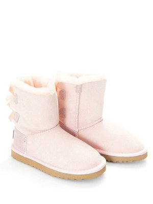 Угги Страна производитель: Китай Вид обуви: Угги Пол: Для девочек Сезон: Зима Полнота обуви: Тип «F» или «Fx» Цвет: Розовый Материал верха: Натуральная замша Материал подкладки: Натуральный мех Высота
