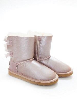 Угги Страна производитель: Китай Вид обуви: Угги Пол: Для девочек Сезон: Зима Полнота обуви: Тип «F» или «Fx» Цвет: Розовый Материал верха: Натуральная кожа + замша Материал подкладки: Натуральный мех