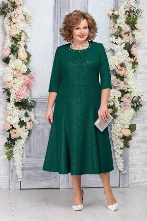 Платье Платье Ninele 2233 изумруд  Сезон: Весна Рост: 164  Изящное платье красиво садится по фигуре, ненавязчиво подчеркивая совершенство ее форм. Полуприлегающий силуэт отлично стройнит, акцентируя