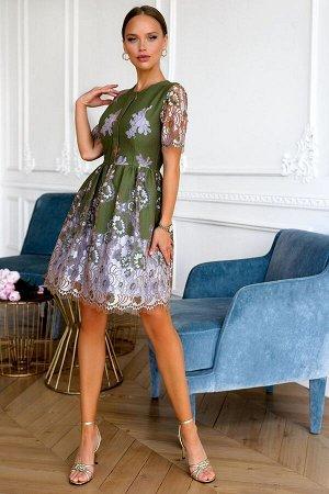 Платье Размер: 42 Элегантное женское платье цвета хаки! Хит сезона по цвету и фасону! Кружевные фрагменты подчеркивают женственность, добавляют роскошь и акцентирует стиль изделия. Слегка расклешенная