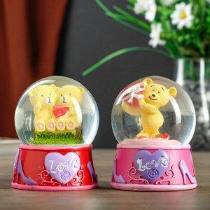 """Сувенир полистоун водяной шар свет """"Мишка с сердцем/мишки на скамейке"""" МИКС 8,5х7х7 см"""
