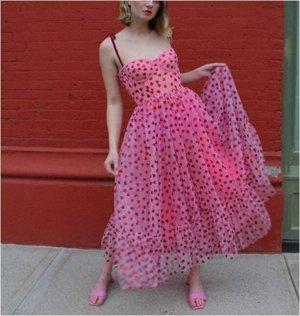 Платье Платье. Материал: Полиэстер. Размер: (бюст. длина см) S (82, 128), M (86, 129), L (90, 130), XL (94, 131).