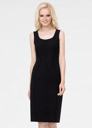 ПЛАТЬЕ ЧЕРНЫЙ Эффектное платье-футляр из нежного крепа. Силуэт подчеркивает декоративная отделка из кружевного канта. По спинке металлическая молния.