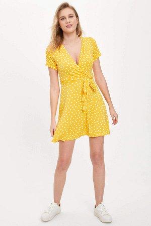 Платье желтое в горох