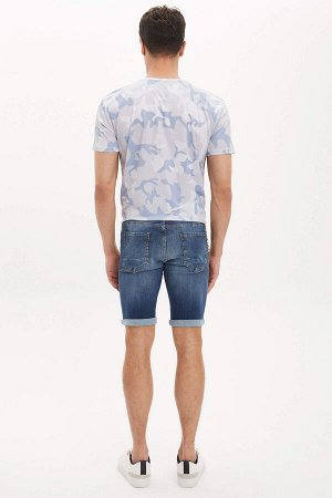шорты Размеры модели: рост: 1,88 грудь: 98 талия: 80 бедра: 98 Надет размер: 32 Elastan 1%, Хлопок 99%