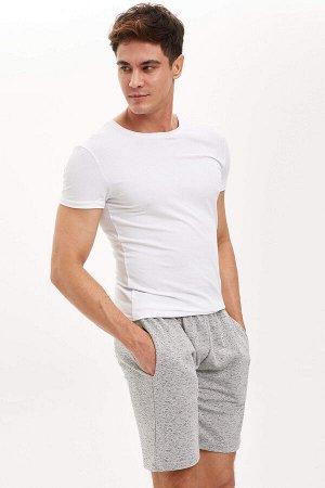 шорты Размеры модели: рост: 1,88 грудь: 98 талия: 80 бедра: 98 Надет размер: M  Хлопок 50%, Полиэстер 50%