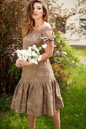 Сарафан 55% хлопок 45% п/э Рост: 164 см. Летнее платье-сарафан А-образного силуэта, расклешеное книзу. Платье с открытым плечевым поясом, верхний край обработан широкой резинкой. Перед с нагрудными вы