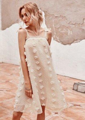 Женское платье,  бежевое,  с бахромой