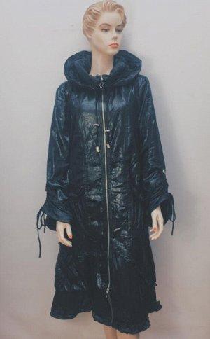 Пальто Утепленное пальто с капюшоном, подойдет для ранней весны и поздней осени. Капюшон отстегивается. Соответствует Российским размерам. Состав: Верх: полиэстер  подкладка: флис Утеплитель: синтепон