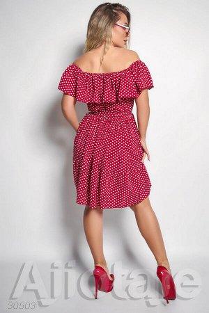 Бордовое платье в горошек с открытыми плечами