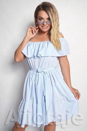 Голубое платье в горошек с открытыми плечами