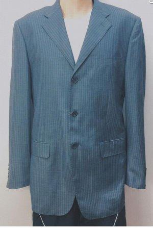 Пиджак Присутствует небольшая запыленность  Характеристики: полуобхват груди 56см длина рукава 65 см длина изделия по заднему шву 82 см