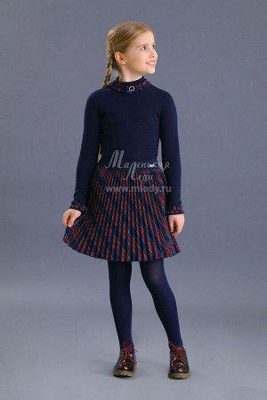 Свитер Ткань: Кашкорсе тонкое Состав: 95%хлопок, 5%эластан Трикотажная школьная блузка для девочки. Модель с высокой горловиной. Горловина и низ рукавов декорированы пышными рюшами и кремовыми розоч