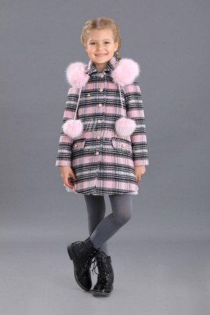 Пальто Ткань: Сукно Состав: Ткань: 86%полиэстер, 14%шерсть; Подкладка: 60%вискоза, 40%полиамид Очаровательное теплое пальто в клетку для девочки. Пальто с капюшоном, завязки украшены пушистыми, пр
