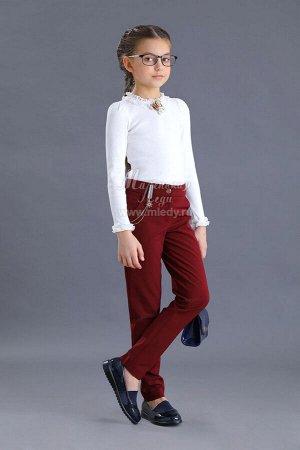 Брюки Ткань: Костюмная вискоза Состав: 55%полиамид, 40%вискоза, 5%эластан Школьные брюки для девочки. Современная школьная форма - это не обязательно сарафан, платье или юбка. Более удобным и практ