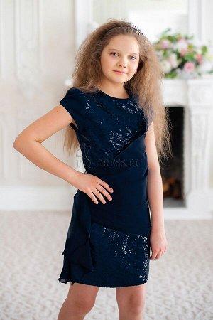 Платье Блестящее платье из пайеток (передняя часть) и плотного атласа (спинка). Спереди украшено шифоновой перевязью. Это сияющее платье оригинального фасона обязательно привлекает внимание.***На фото