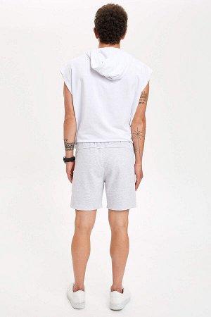 шорты Размеры модели: рост: 1,83 грудь: 98 талия: 82 бедра: 96 Надет размер: M  Хлопок 55%, Полиэстер 45%