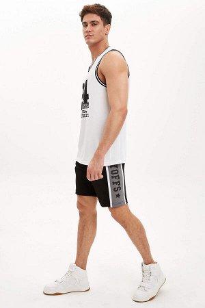 шорты Размеры модели: рост: 1,88 грудь: 98 талия: 80 бедра: 98 Надет размер: M  Полиэстер 100%