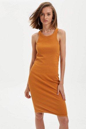 Платья Размеры модели: рост: 1,75 грудь: 83 талия: 56 бедра: 90 Надет размер: S Хлопок  95%, Эластан 5%