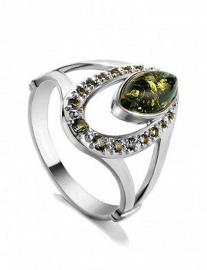 Искрящееся серебряное кольцо, украшенное фианитами и натуральным зелёным янтарём «Ренессанс», 006304277