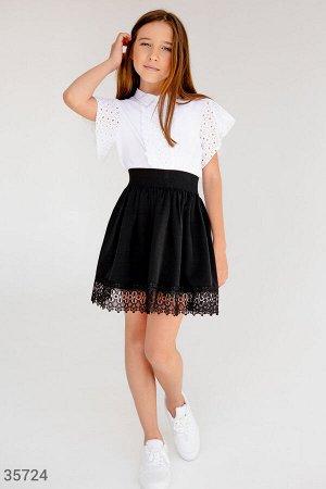 Школьная юбка с утонченным кружевом