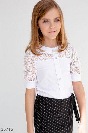 Школьная блуза с кокеткой