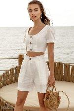 Стильные льняные шорты белого цвета