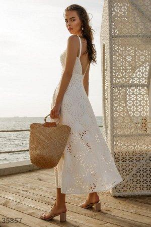 Воздушное белое платье
