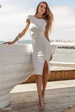 Платье-футляр с высоким разрезом