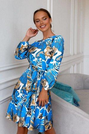 Платье Размер: 42 / 44 / 46 / 48 Шикарное платье из трикотажного полотна. Идеально по фигуре. Необычная расцветка ткани- собственный дизайн