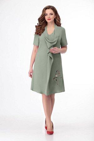 Платье Платье Кокетка и К 743 олива  Состав ткани: Вискоза-63%; ПЭ-33%; Лайкра-3%;  Рост: 164 см.  Платье прямого силуэта слегка расширенно к низу.По переду цельнокроенная складка-валан переходящая в