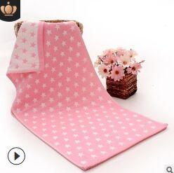 Полотенце Мягкое и уютное полотенце прекрасно впитывает влагу и легко стирается. Кроме того, хлопковые полотенца отличаются высокой износоустойчивостью и долгим сроком службы. Такое полотенце подарит