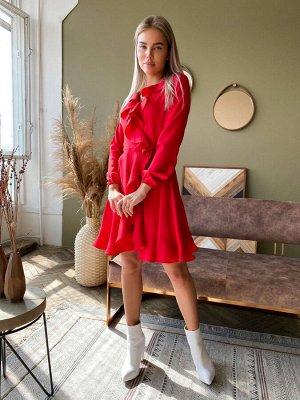 Платье из крепа с запахом и рюшами