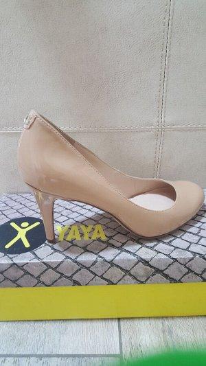 Туфли фирмы GUESS  на 36 размер
