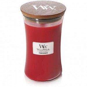 Гранат Свеча Большая 690 гр. 120 часов горения Искристый многогранный гранат с нотами черной смородины, мягких цветов и насыщенными аккордами рома и мускуса.   Ноты аромата : Верхние: красное яблоко,