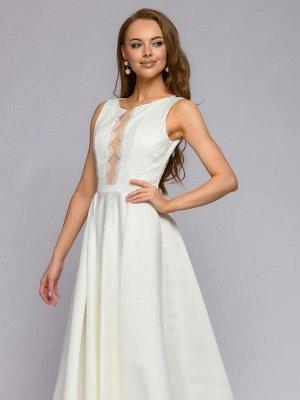 Платье белое длины макси с кружевной отделкой и расклешенной юбкой