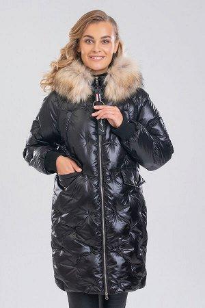 Черный Благодаря необычной стежке такое пальто  смотрится мягким и пушистым. Крайне тяжело отказаться зимой от верхней одежды с отделкой из меха. Съемный искусственный мех красиво обрамляет лицо и защ