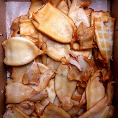 Океан вкуса! Икра! Рыбные стейки! Фарш нерки!  — Кальмар горячего копчения! Тушками! — Вяленые и сушеные