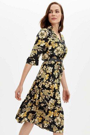 Платье в желтых цветах
