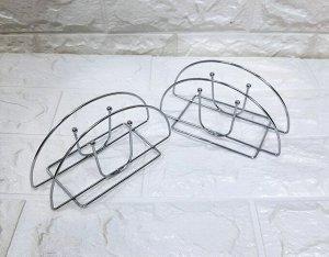 Салфетница Салфетница  – прекрасный вариант сервировки стола для тех, кому не нравится стандартная упаковка бумажных салфеток и важна целостность эстетики помещения. Салфетки, размещенные в такой бокс