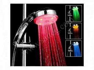 Светодиодная LED насадка на душ.