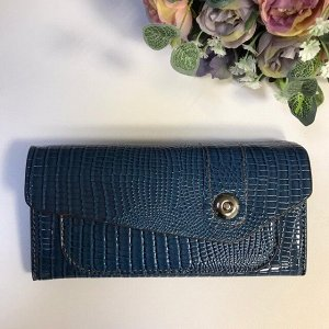 Лаковый женский кошелек Leksu из эко-кожи под рептилию дымчато-синего цвета.