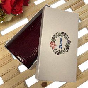 Полноразмерный кошелек Fernando класса люкс из натуральной лаковой кожи вишнёвого цвета.